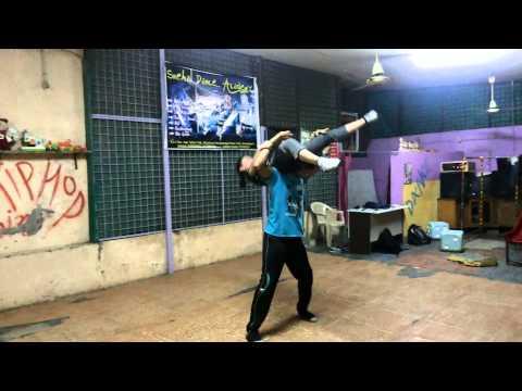 Sholon Si Sholon Acrobatd Bad Salsa Dance Piyu & Snehal 9586808004 video