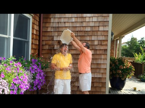 Chris Anderson Accepts the Ice Bucket Challenge