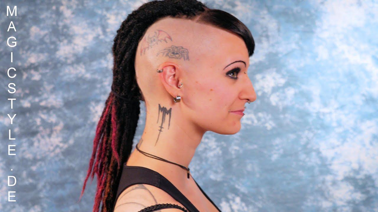 Rominas Futuristischer Look Side Cuts Tattoos