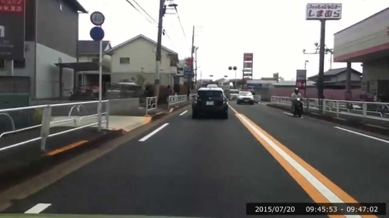 twingotokorozawa トヨタ プラッツの警視庁パトロールカーとすれ違い twingo