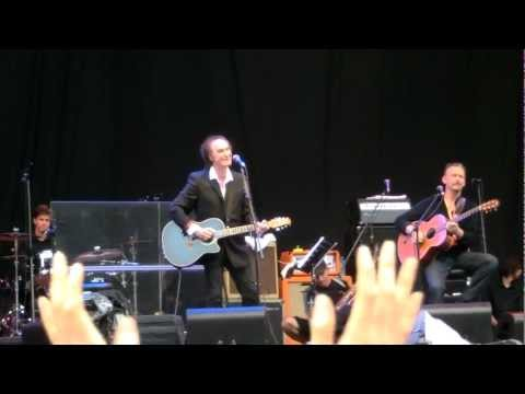 Ray Davies - Waterloo Sunset (live at Fuji Rock)