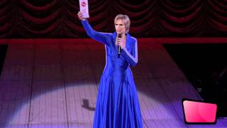 Sue Sylvester Introduction At Glee: The 3D Concert Experience [HD]