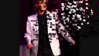 Watch Barry Manilow Sometimes When We Touch video