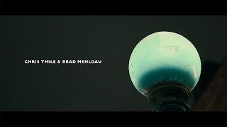 "Chris Thile & Brad Mehldau - ""The Old Shade Tree""のライブ映像を公開 新譜「Chris Thile & Brad Mehldau」収録曲 thm Music info Clip"