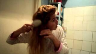 Как получить локоны из волос без бигуди онлайн ролик как сделать кудри на н