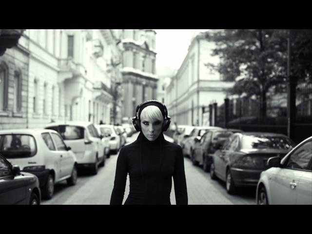 Majka és Curtis - Elvitted a szívemet (Official Music Video)