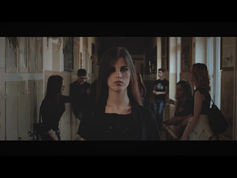Emma Undressed - Engedd el (Official Music Video)