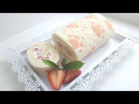 Ангельский рулет со взбитыми сливками и клубникой 🍓 рисунок на бисквите🍓Angel food cake roll🍓