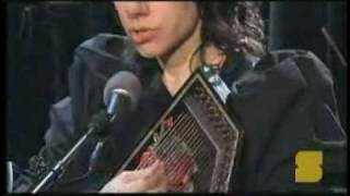 PJ Harvey - Down by the water - lyrics - Beautiful acoustic Solo, 2007 - To bring you my love