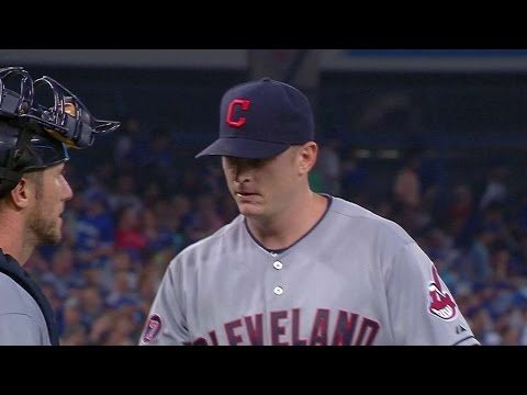 CLE@TOR: Floyd completes 1-2-3 inning in season debut