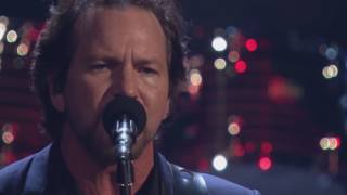 Ouça 2017 Rock Hall Inductees Pearl Jam Perform Better Man