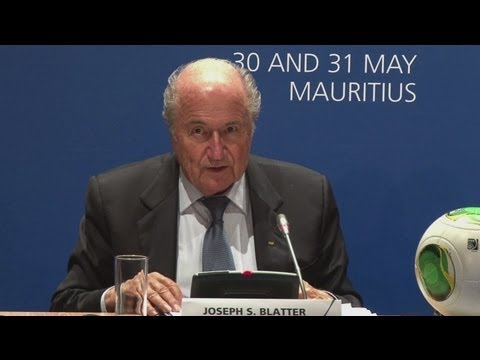 Blatter discusses age restrictions at FIFA Congress