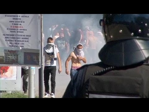 Police clash with protesters in Kosovo