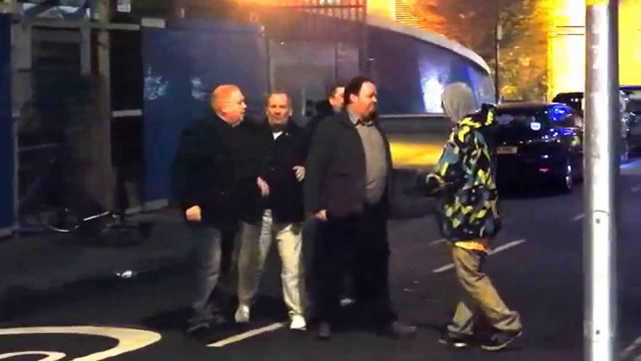 [Four On One! Young Bro Wins Street Fight Against Four Drunk Old Dudes] Video