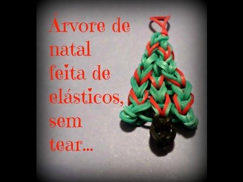 Arvore de natal feita de elásticos, sem tear..