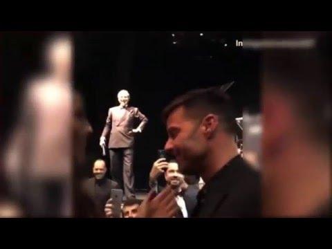 Ricky Martin : une femme a payé 90 000$ pour lui rouler une pelle