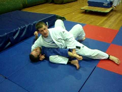 Kata gatame - Judo pins, judo holddowns Image 1