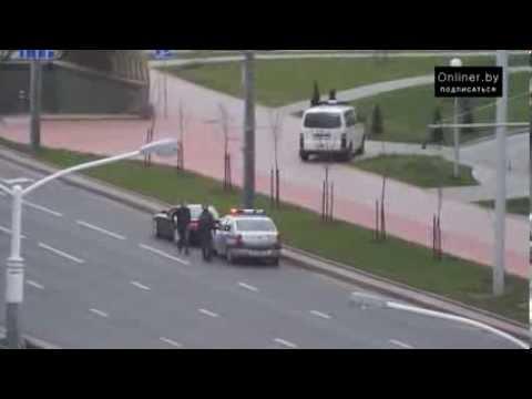 Минск: ГАИ остановила водителя Aston Martin за лихачество