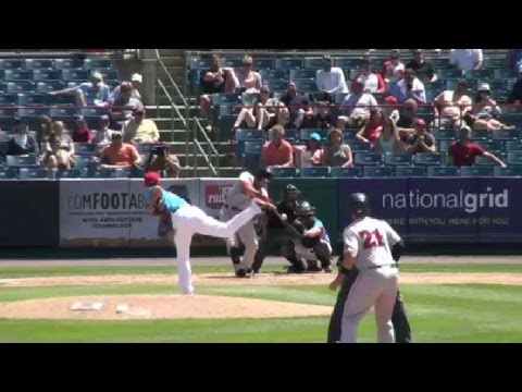 Red Sox's Cecchini rocks a grand slam