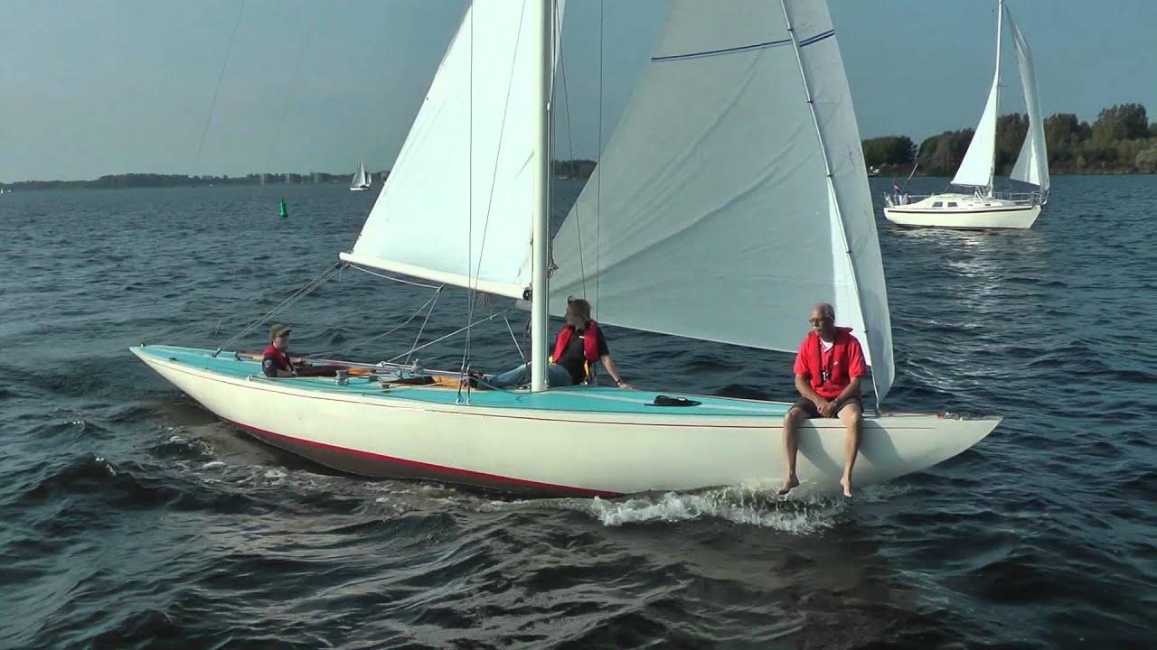 Sailing yacht racing