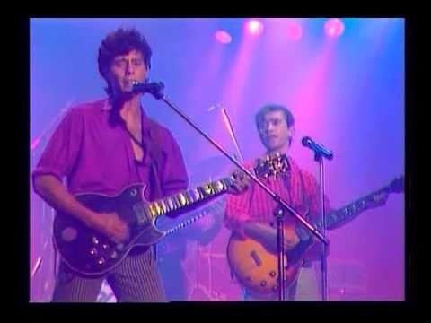 NACHA POP - LA CHICA DE AYER ( DIRECTO 1985 )