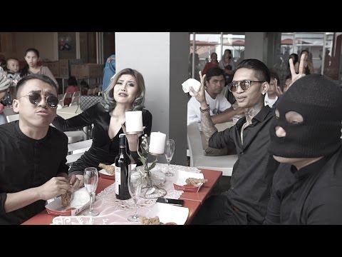 MAKAN BANG - YOUNG LEX FT. AWKARIN, MASGIB & OKA MAHENDRA (Official Music Video)