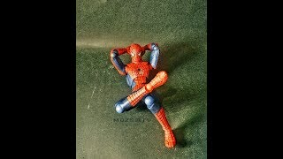 [NgoBar] Comparison Revoltech Spiderman 3 Original vs Bootleg