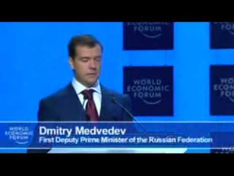 Medvedev speaks English / Медведев говорит на английском