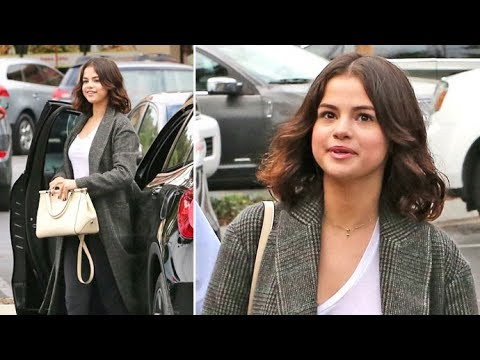 Selena Gomez Says She's Celebrating Halloween 'With My Sister' After Reuniting With Justin thumbnail
