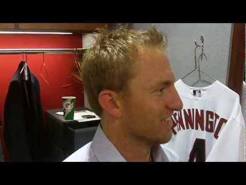 D-backs Cliff Pennington hits walkoff single