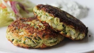 Zucchinibratlinge mit Tzatziki (Rezept) || Zucchini Patties with Tzatziki (Recipe) || [ENG SUBS]