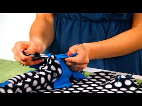 How to Tie Together a Fleece Blanket   No-Sew Crafts