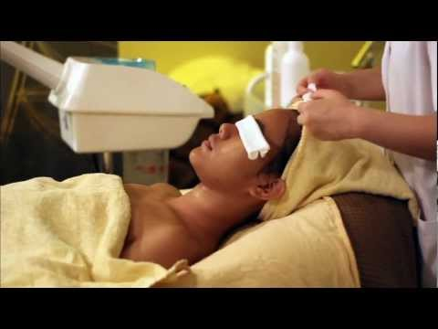 Professional facial cleansing. extraction. massage & mask