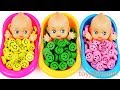 Learn Colors Baby Doll Finger Family Song Smiley Candy Bath T...