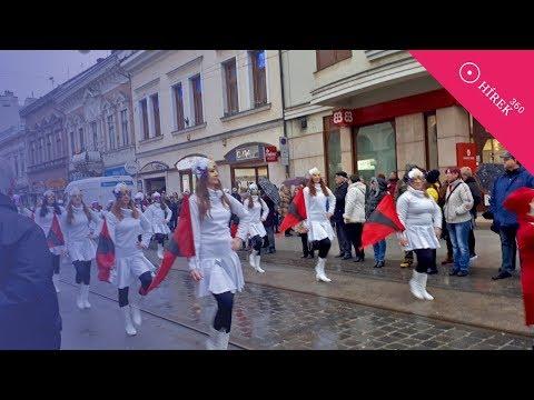 Nyitófelvonulással vette kezdetét a Miskolci Farsang - hirek360.hu