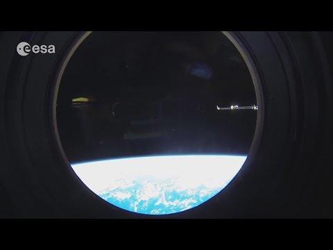 Astronauts TROLLING flat-earthers