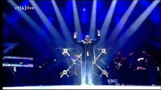 download lagu R. Kelly - When A Woman Loves Live  gratis