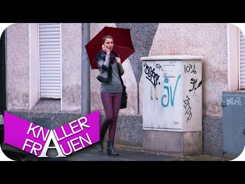Akku fast leer - Knallerfrauen mit Martina Hill Die 3 Staf