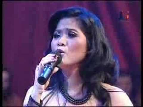 Learn and talk about Vina Panduwinata, Indonesian female singers