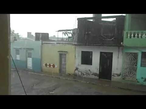 DSCN0041 2012 06 18 Cuba, Sancti Spiritus, La Cuchilla, Lluvia.