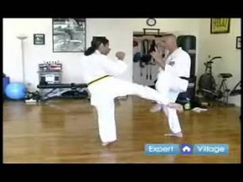 Beginner Kyokushin Karate Techniques : How to Block a Punch in Kyokushin Karate Image 1