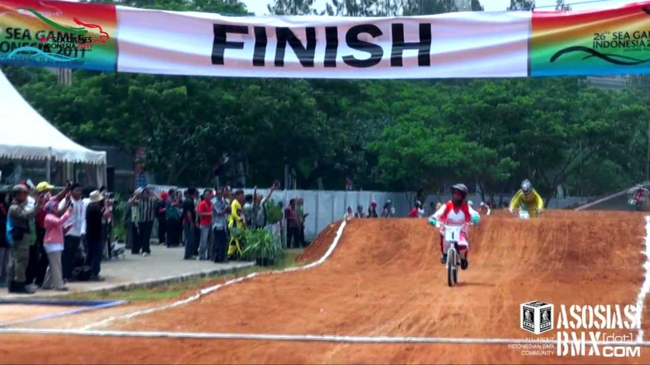 The 26th SEA GAMES 2011 - BMX Supercross THE FINAL - YouTube