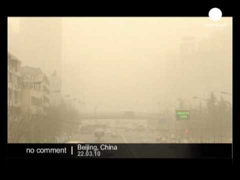 Sandstorms continues to sweep through Beijing
