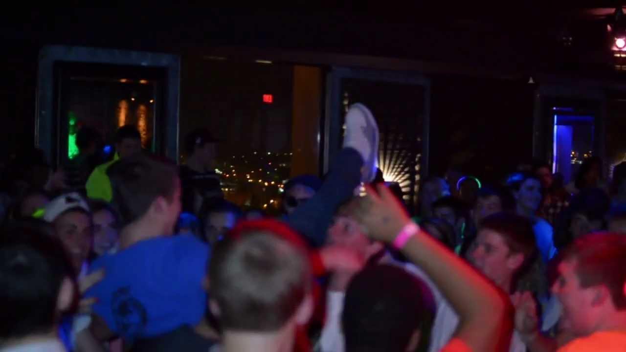 Under 21 Dance Club - Revive Nightclubs