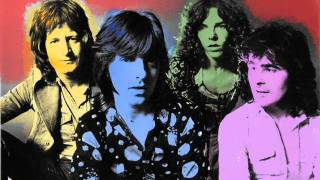 Watch Badfinger Flying video