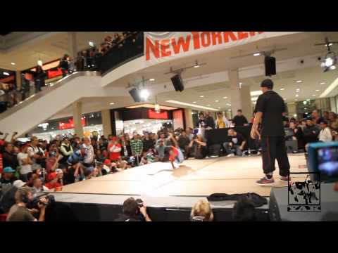 Battle Of The Year Boty 2009 1on1 - Pelezinho Vs Roxrite video