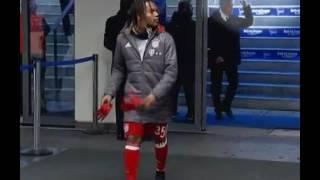 Carlo Ancelotti show the middlefinger to Hertha fans-Carlo Thug Life