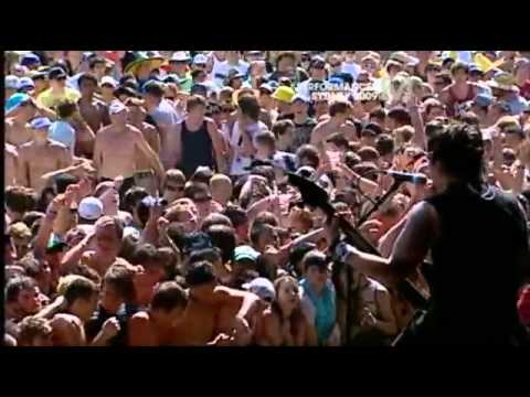 Bullet For My Valentine - Waking The Demon (live) Big Day Out 2009.flv video
