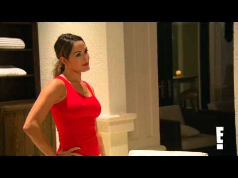 Nikki Bella Throws Beer in John Cena's Face - Total Divas Preview Clip!