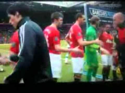Rio Ferdinand refuses to shake Luis Suárez's hand.wmv